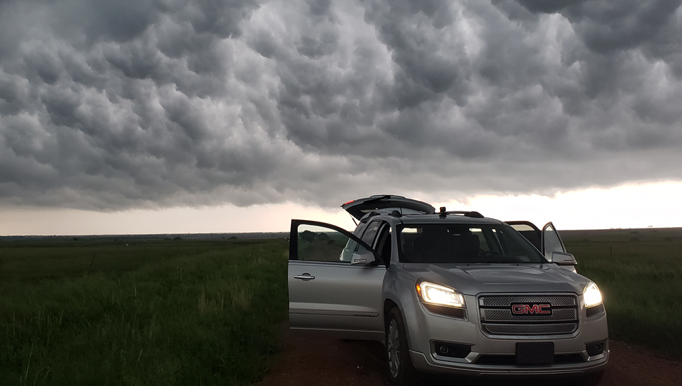 Storm Chasing Tours, Storm Chasing Vacations, Tornado Chasing Tours, Storm Tour Adventures, Tornadoes, Supercells, Weather Adventures